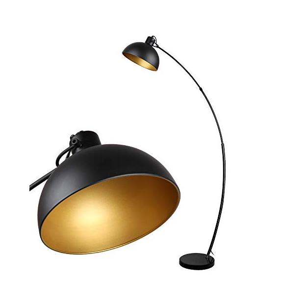 Lámparas de pie de metal dorados